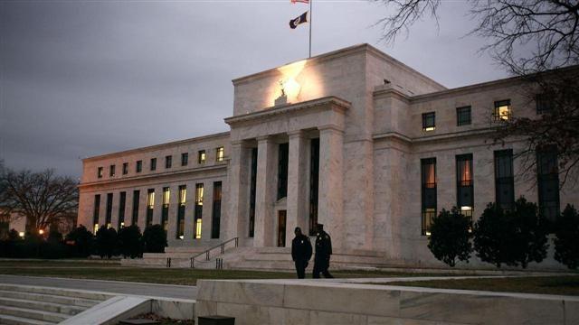 VIDEO: U.S. and European Stocks Edge Lower 3