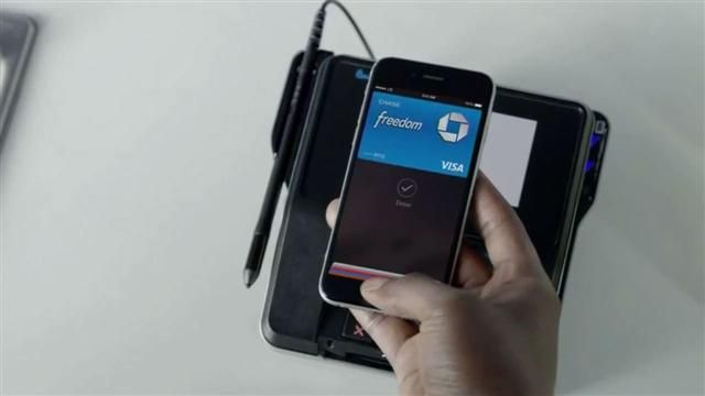VIDEO: Apple Pay Rolls Out, But With Holes in System 3