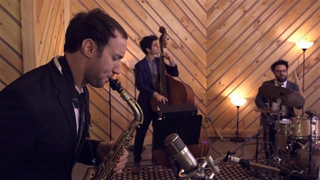 VIDEO: A Jazz Quartet Explains High-Frequency Trading 1