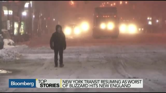 VIDEO: NY Transit Resumes, Worst of Blizzard Hits New England 4