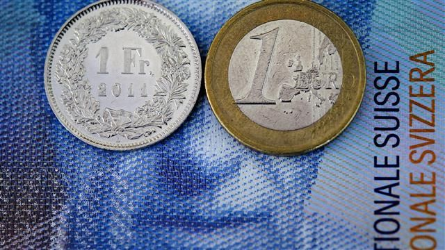 VIDEO: Swiss Franc Soars After SNB Scraps Currency Cap 1