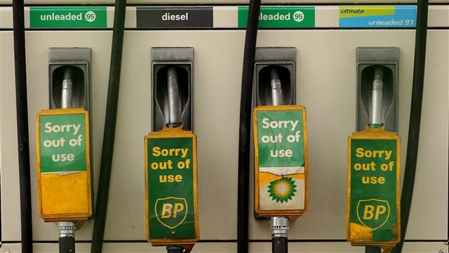 VIDEO: BP Earnings Hit by Oil Rout 1