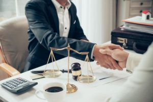 personal injury lawyer - hiring a lawyer