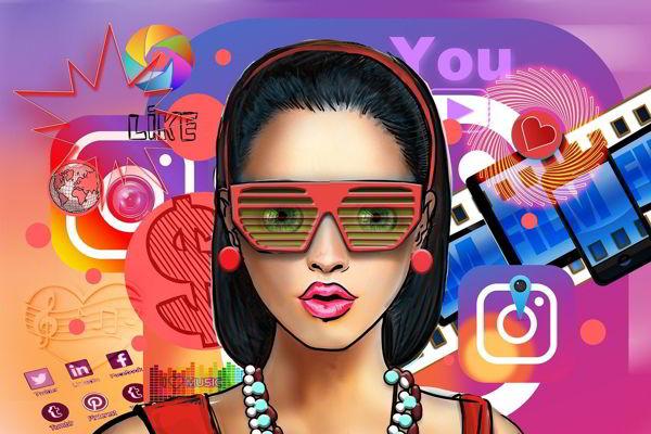 influencer social media woman