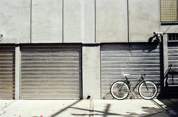 Advantages of hiring garage door repair company 1