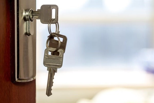 Four Reasons to Get Your Locks Changed By a Locksmith 1
