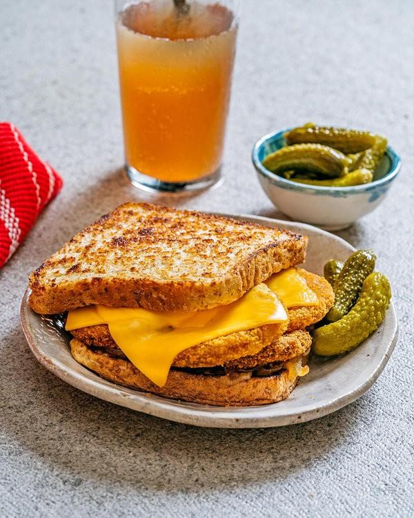 Crispy Burger Patty Melt Recipe