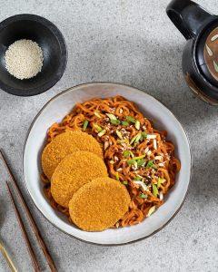 Crispy-Burger-with-Korean-Spicy-Noodles 3