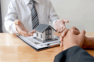 CRM real estate agent