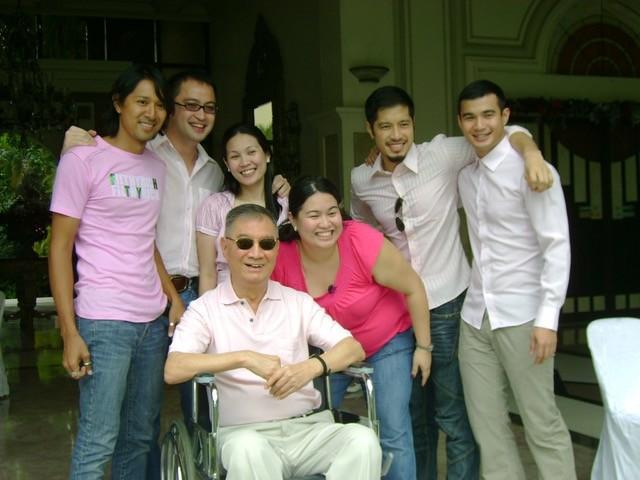 Angelo King with his grandchildren